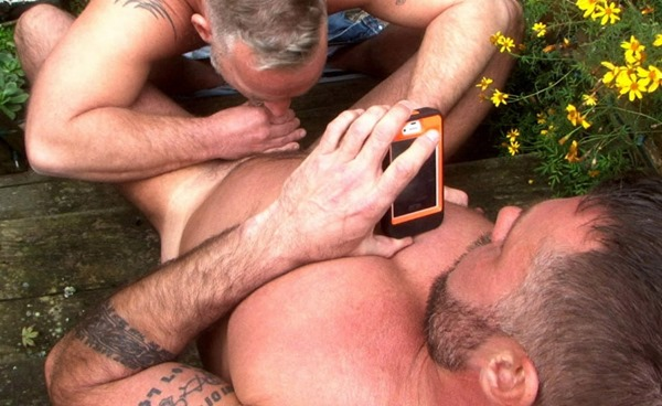 hot-older-male-blowjob-in-the-backyard
