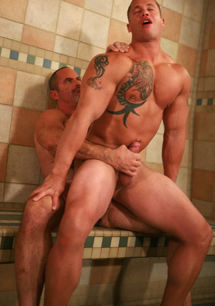 hot-older-male-bries-encounters