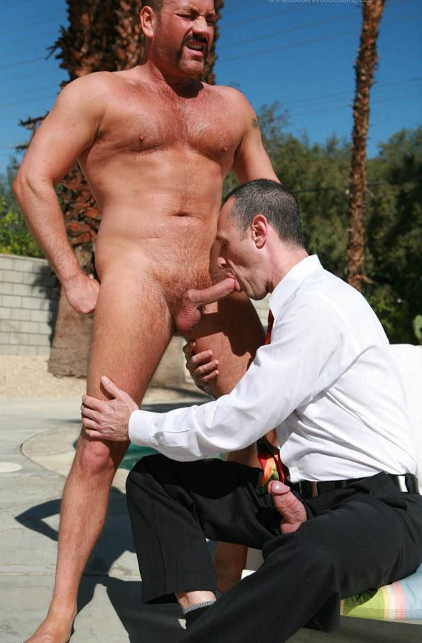 hot-older-male-down-to-business